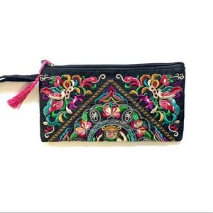 Accessories - Embroidered butterfly pouch